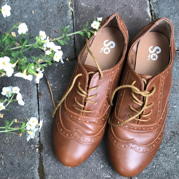SO brand women's Oxfords in a size 6
